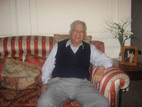 waqar hasan - Age, Education, Score and Stats