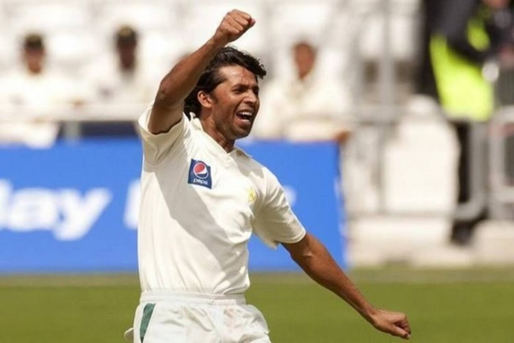 Mohammad Asif - Age, Education, Score and Stats