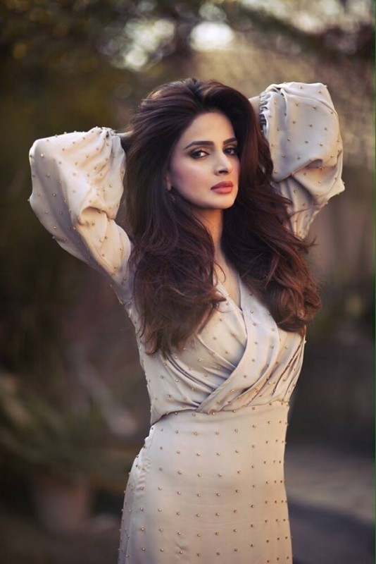 Saba Qamar Drama And Movies List , Height, Age, Family, Net Worth-6096