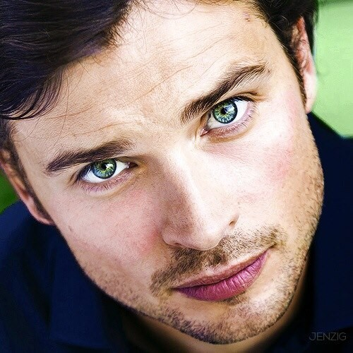Brown Hair Blue Eyes: Tom Welling Movies List, Height, Age, Family, Net Worth