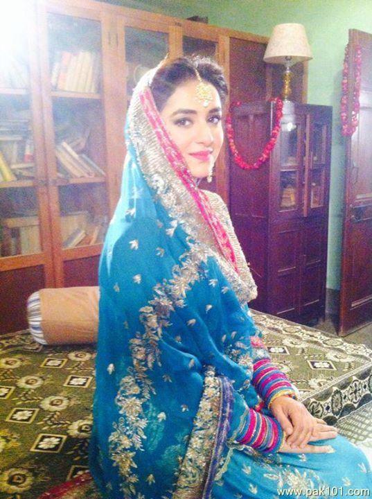 Yumna Zaidi Drama List, Height, Age, Family, Net Worth