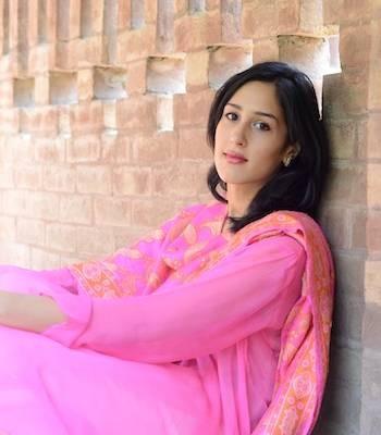 Mira Sethi Drama List Height Age Family Net Worth