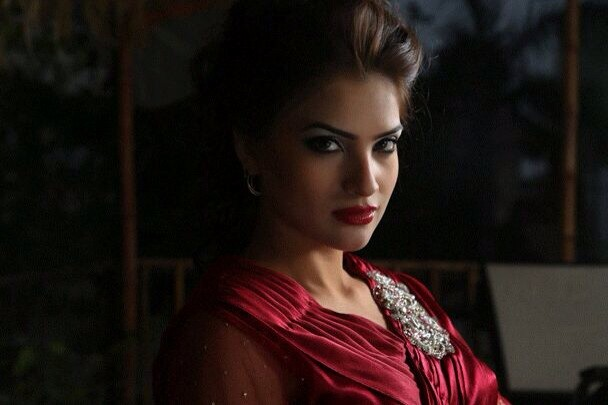 Qurat-ul-Ain Movies & Drama List, Height, Age, Family, Net Worth