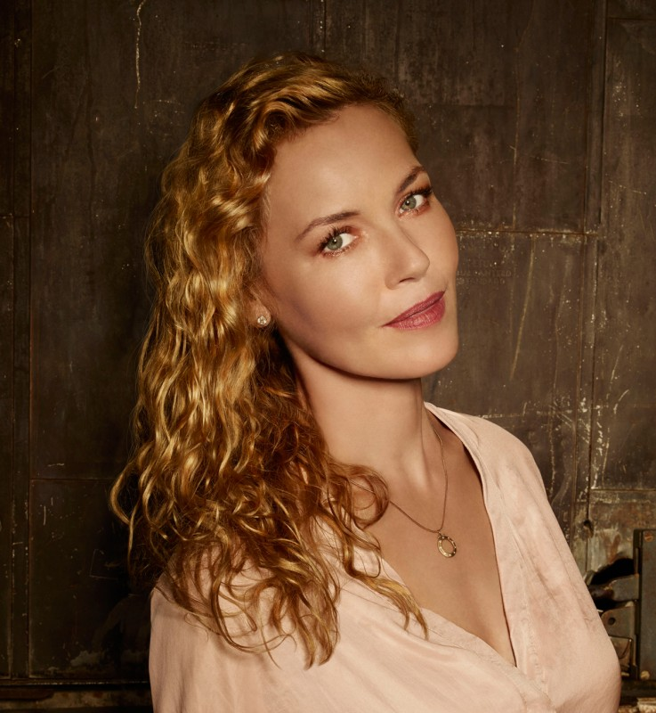 Connie Nielsen Movies List, Height, Age, Family, Net Worth