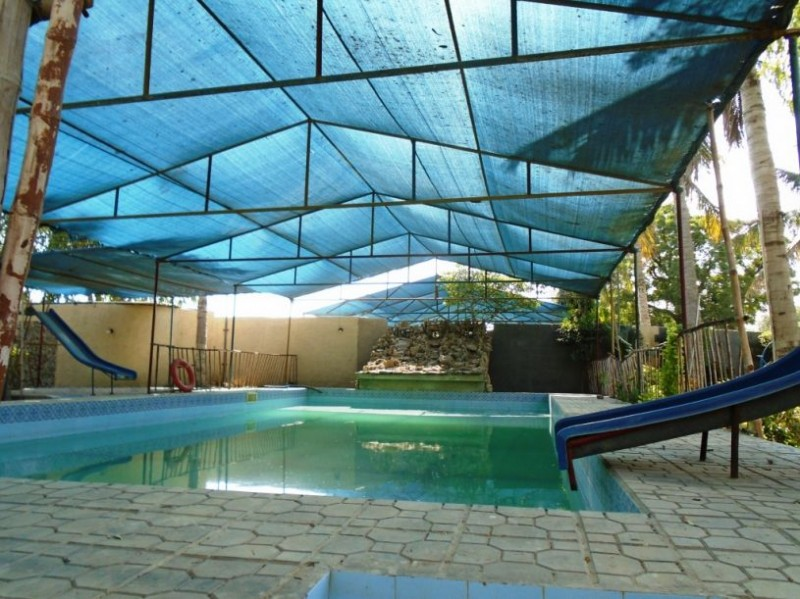 Coco super 3 farm house hotel in karachi pakistan price - Metropolitan swimming pool karachi ...