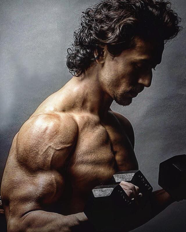 Tiger Shroff Movies List, Height, Age, Family, Net Worth