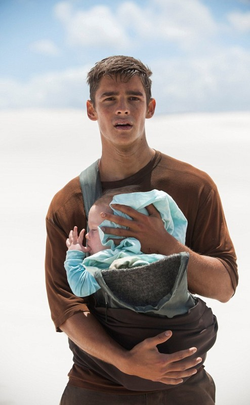 Brenton Thwaites Movies List Height Age Family Net Worth