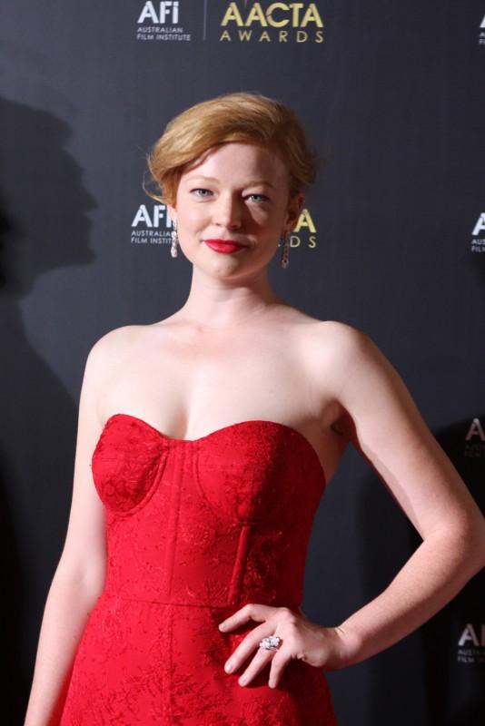 Sarah Snook Movie List, Height, Age, Family, Net Worth Predestination