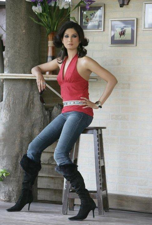 Very hot pakistani actress sofia ahmed scandal clear urdu - 3 8