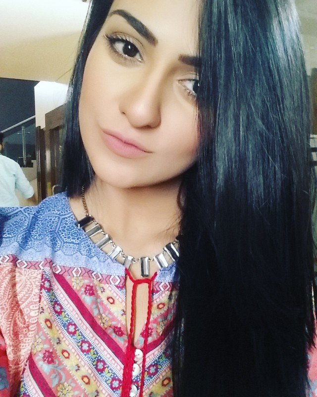 Sarah Khan Biography, Dramas, Height, Age, Family, Net Worth 2