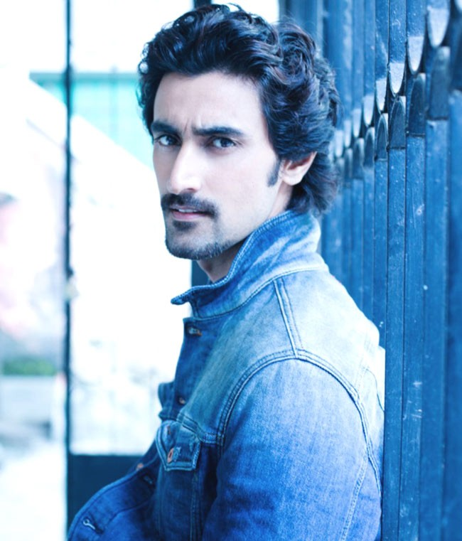 Kunal Kapoor Movies List , Height, Age, Family, Net Worth