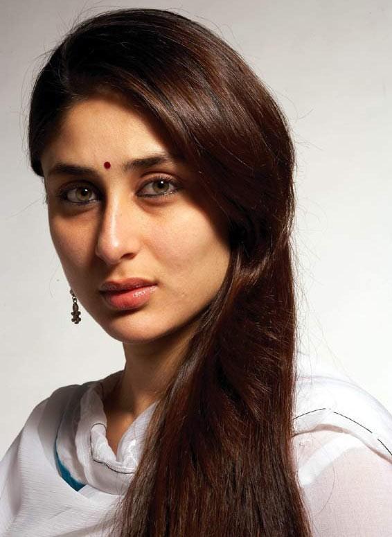 Kareena Kapoor Movies List, Height, Age, Family, Net Worth