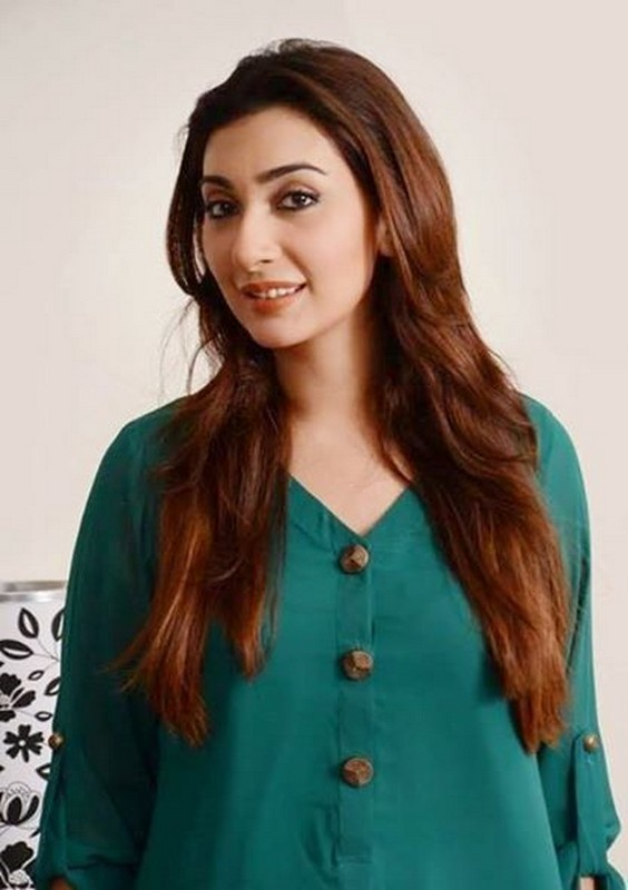 Ayesha Khan Movies Dramas Height Age Family Net Worth