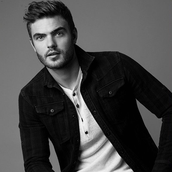 Alex Roe Biography Movies Dramas Height Age Family