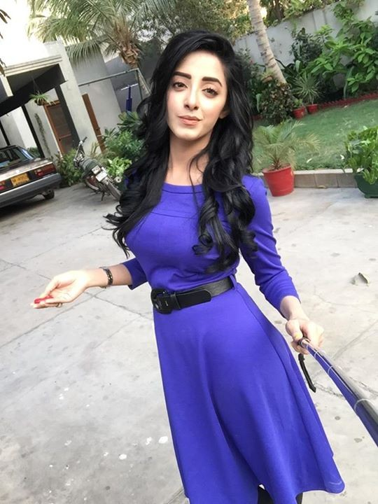 Sanam Chaudhry Biography, Dramas, Height, Age, Family, Net Worth