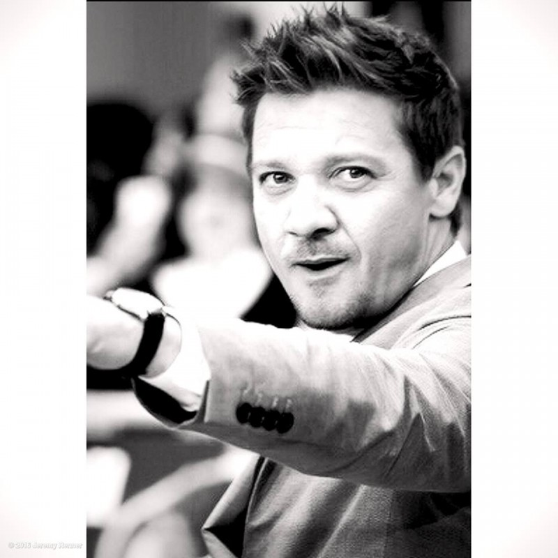 Jeremy Renner Movies List, Height, Age, Family, Net Worth