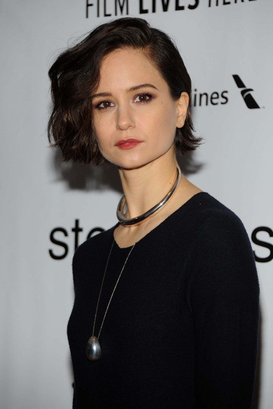 Katherine Waterston Movies List Height Age Family Net