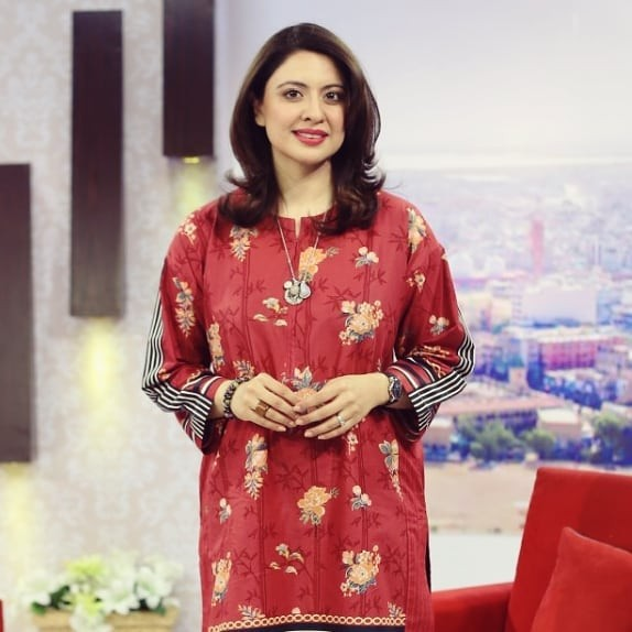 Sidra Iqbal Biography, Height, Age, Family, Net Worth