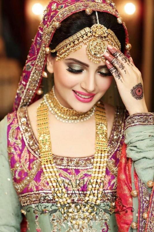 Armeena Khan Movies Amp Drama List Height Age Family Net