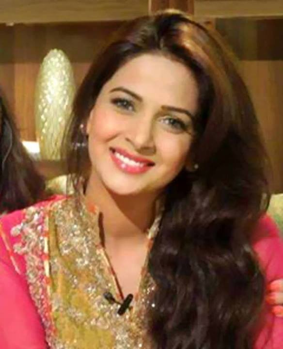 Saba Qamar Drama And Movies List Height Age Family