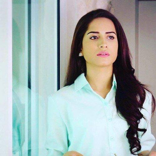 Faria Sheikh 22