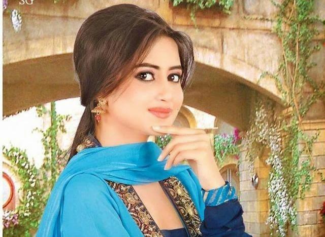 Sajal Ali 6