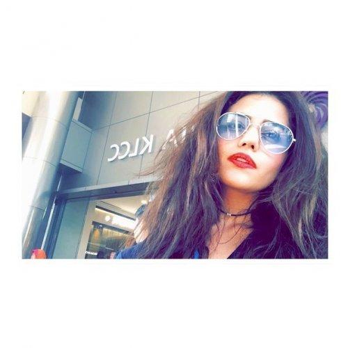 Zara Noor Abbas - Cover Photo