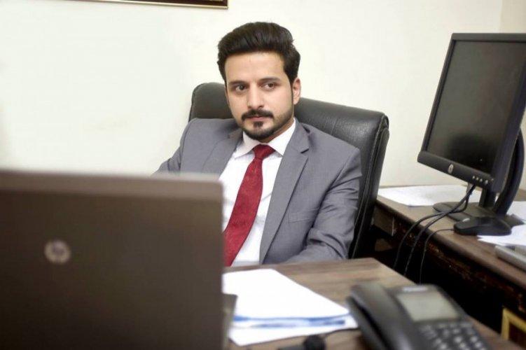 Faisal Abbasi 9