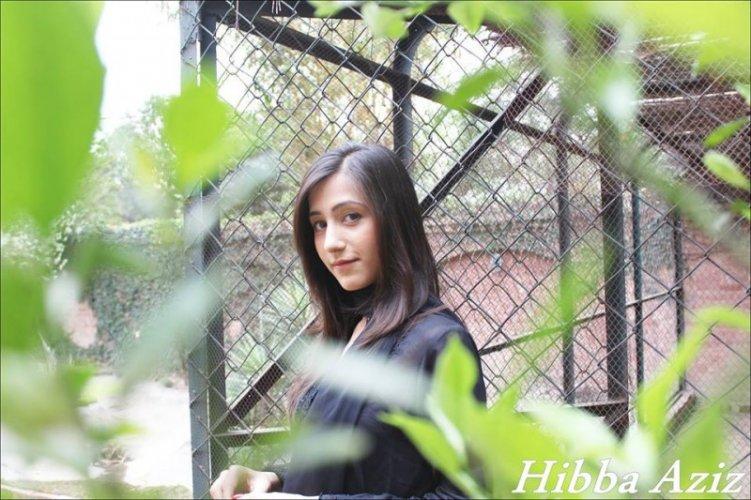 Hibba Aziz 16