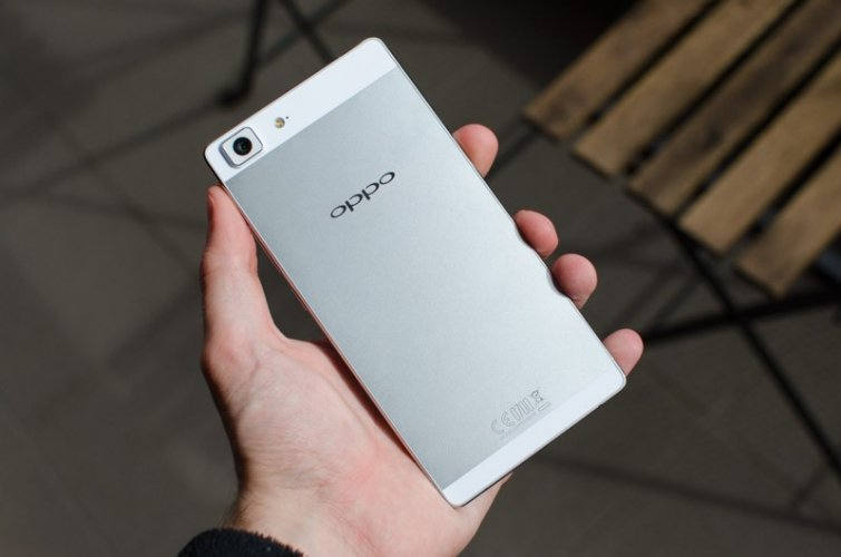 Oppo R5s Back View