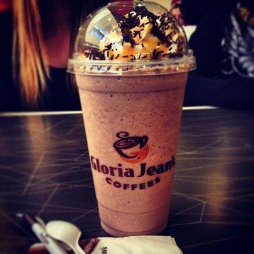 Gloria Jeans Coffees Chocolate dessert