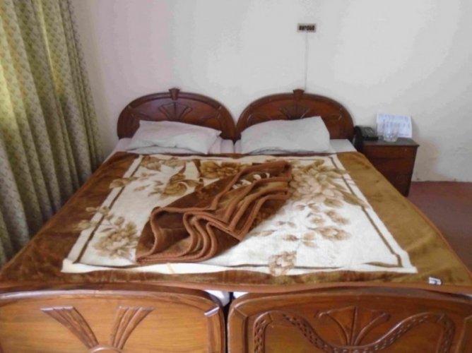 Sayyazar Hotel Bedroom