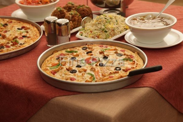 Fine pizza garden town restaurant in lahore Garden city pizza