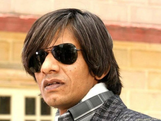 Vijay Raaz 16