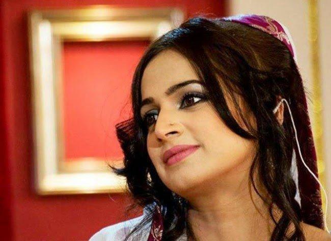 Noor Bukhari 6
