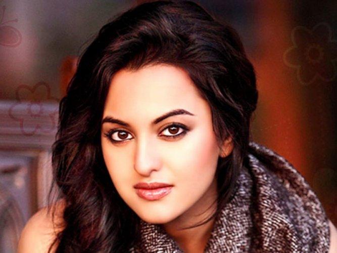Sonakshi Sinha 15
