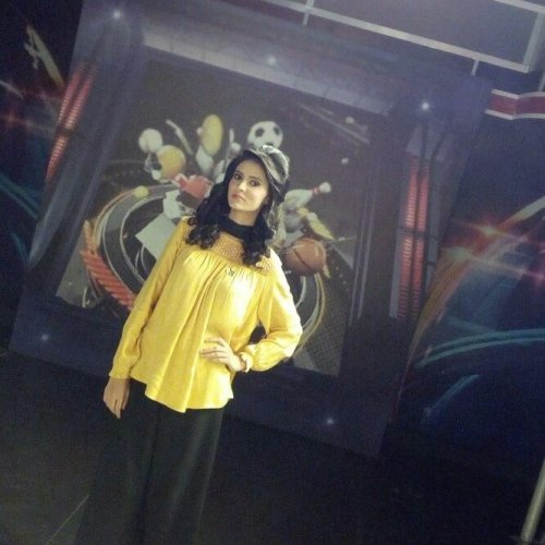 Beautiful Anam Afzal in Yellow and Black Dress