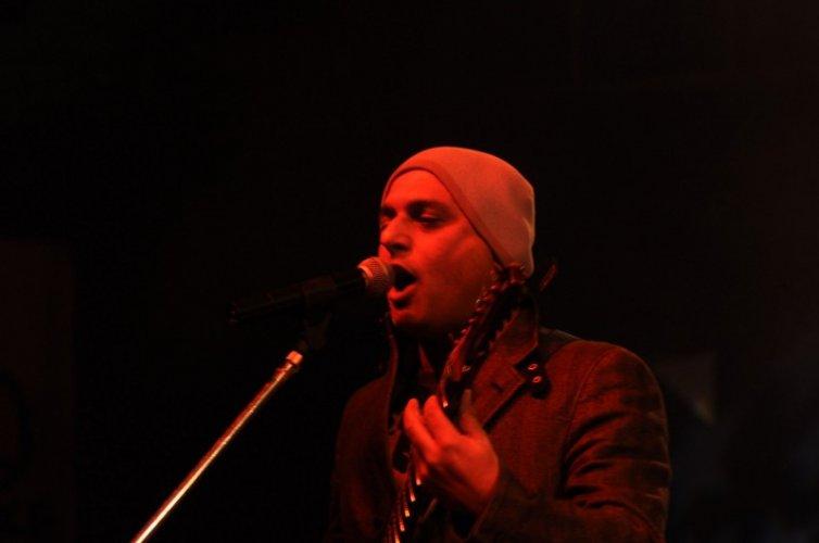 Ali Azmat 3