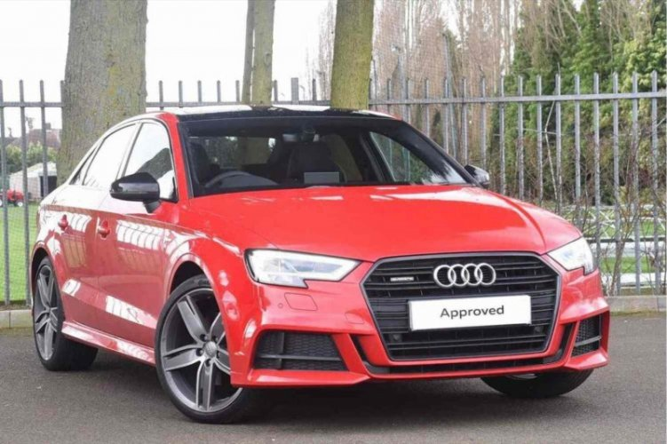 Audi A3 1.2 TFSI Exclusive Line 2017-red
