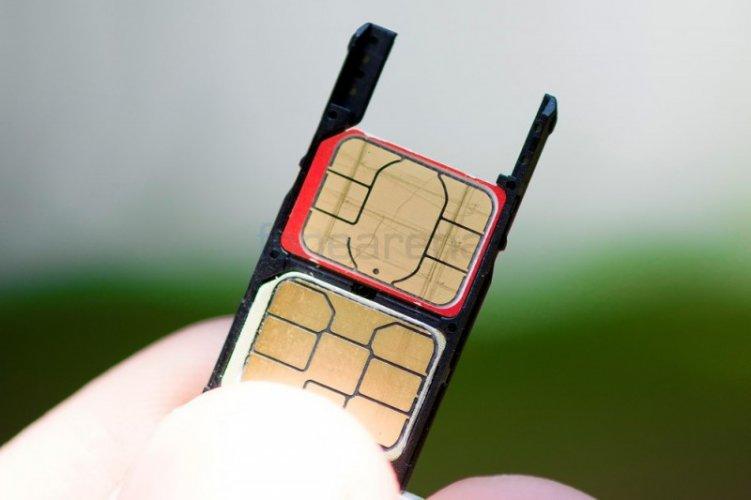 Motorola Moto X Play Dual SIM Inside View