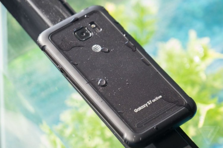Samsung Galaxy S7 active Back Look