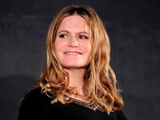 Jennifer Jason Leigh 013