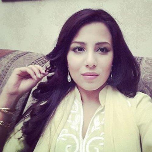 Ushna Shah 2