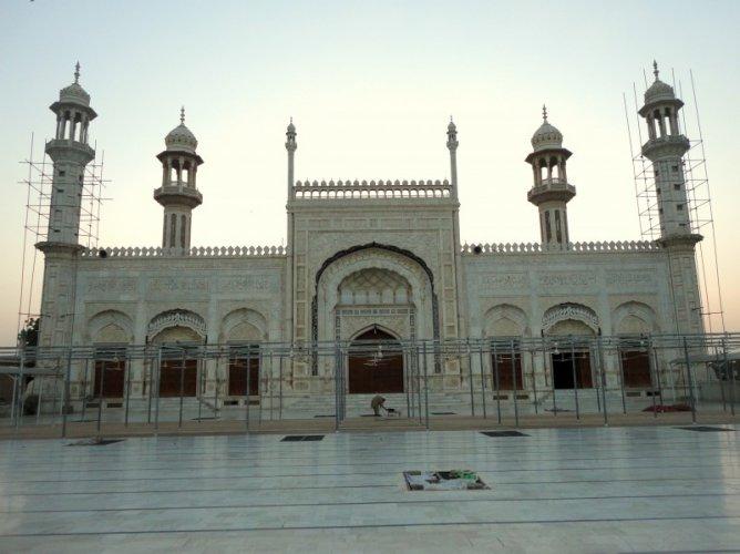 Jamia Masjid Al Sadiq