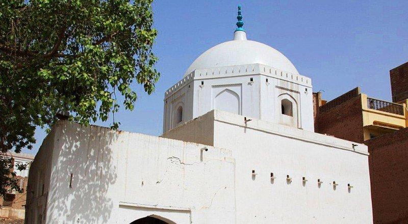 Tomb Shah Hussain Sadozai 2