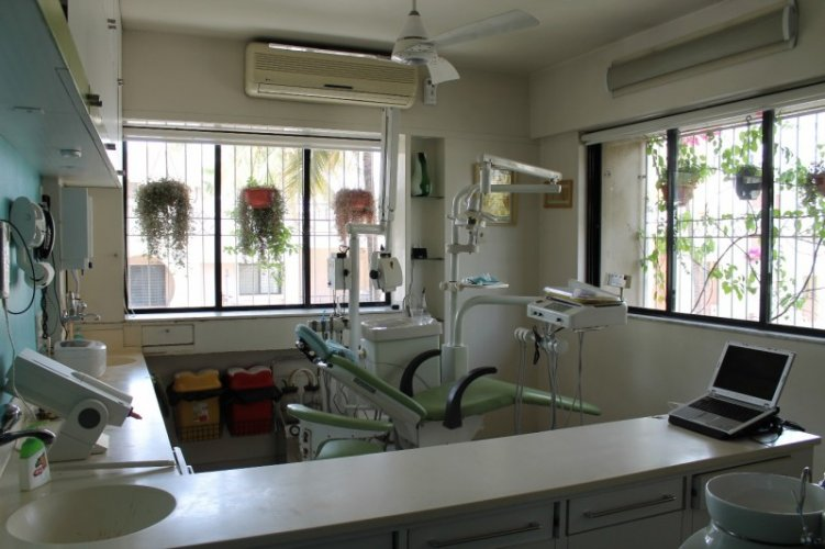 Sameer Dental Clinic & Implant Center cover
