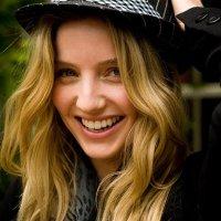 Annabelle Wallis 13
