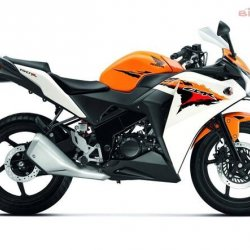 Honda-CBR150-R-Side-1474.jpg