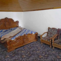 Pine Fort bedroom pic 1