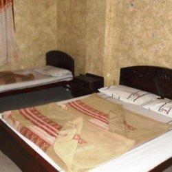 Lalazar Hotel Triple Bedroom